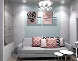 Dom po prostu nowoczesny - Mały szary pokój dziecka dla chłopca dla dziewczynki dla nastolatka, styl nowoczesny - zdjęcie od exDesign Ewelina Stępień-Chojnacka