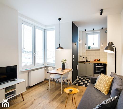 Salon i sypialnia w jednym – ile kosztuje aranżacja multifunkcjonalnego pokoju w bloku?