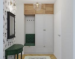 Zielone Bielany - Mały biały hol / przedpokój, styl skandynawski - zdjęcie od EG projekt