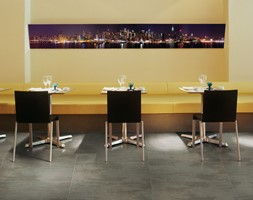 Średnia otwarta żółta jadalnia jako osobne pomieszczenie - zdjęcie od Ceramica Promat