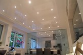 sufit napinany z podświetleniem