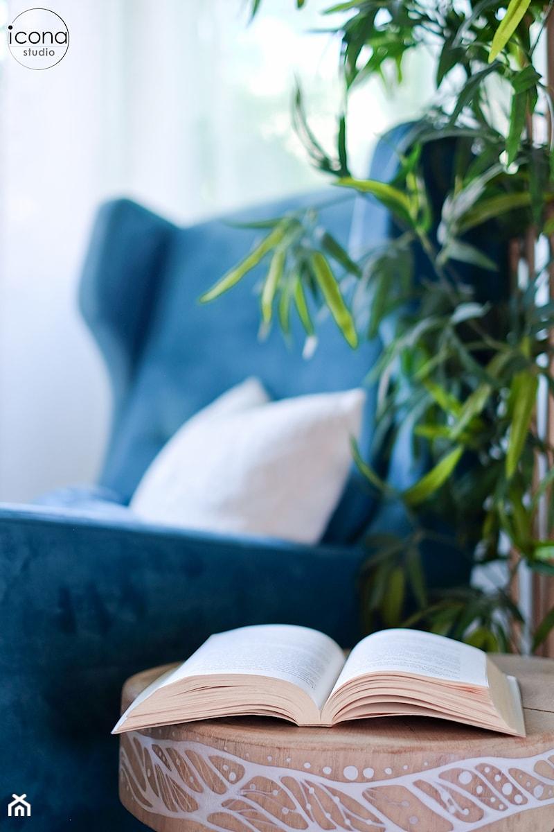 Metamorfoza mieszkania w Piasecznie - Biały salon, styl eklektyczny - zdjęcie od Icona Studio