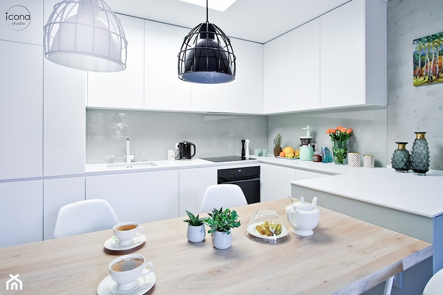 Metamorfoza mieszkania w Piasecznie - Średnia szara kuchnia w kształcie litery u w aneksie z wyspą, styl nowoczesny - zdjęcie od Icona Studio