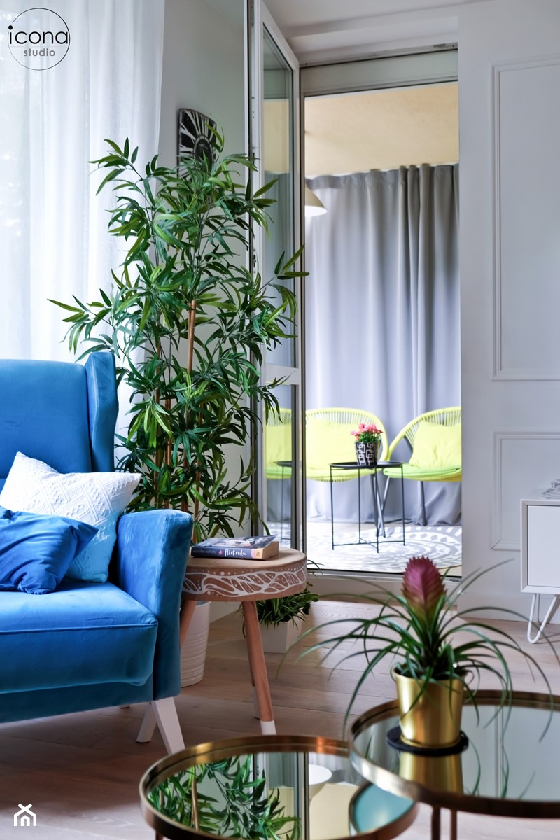 Metamorfoza mieszkania w Piasecznie - Szary salon, styl eklektyczny - zdjęcie od Icona Studio