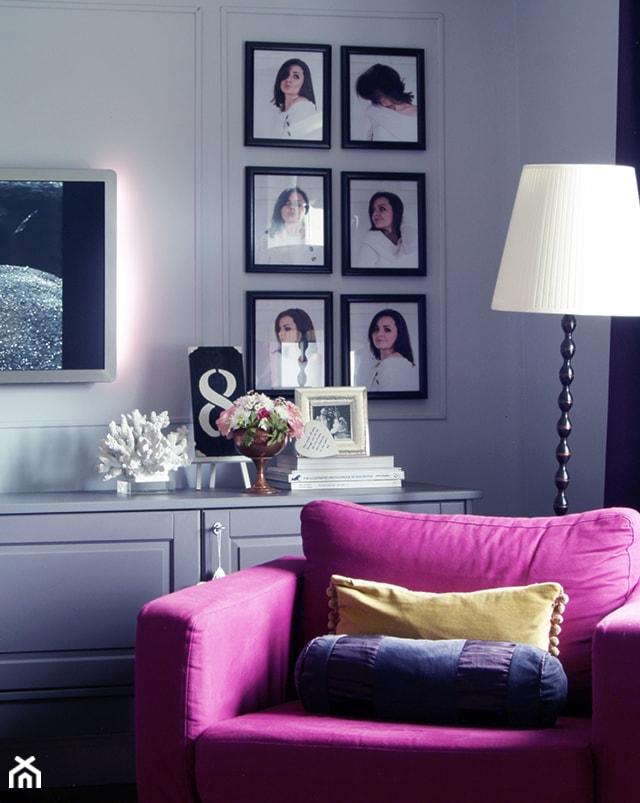Salon z nutą fuksji - zdjęcie od InteriorsPL - Homebook