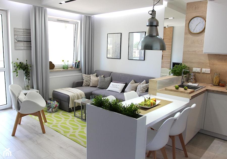 Przytulnie, nowocześnie, klimatycznie - Mały biały salon z kuchnią z jadalnią, styl nowoczesny - zdjęcie od MK HOME
