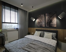 Nowoczesny apartament, 72m2 - Mała szara czarna sypialnia małżeńska, styl nowoczesny - zdjęcie od MK HOME - Homebook