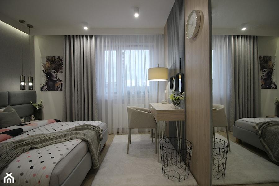 Nowoczesny apartament, 72m2 - Średnia szara sypialnia małżeńska, styl nowoczesny - zdjęcie od MK HOME