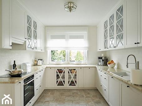 Aranżacje wnętrz - Kuchnia: kuchnia w stylu prowansalskim - StudioAtoato. Przeglądaj, dodawaj i zapisuj najlepsze zdjęcia, pomysły i inspiracje designerskie. W bazie mamy już prawie milion fotografii!
