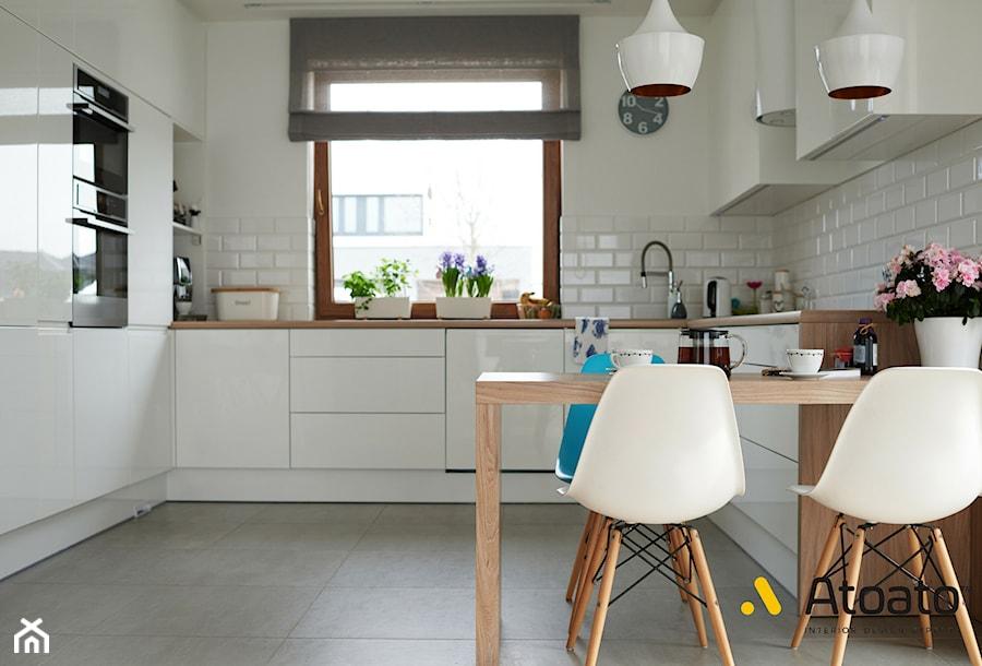 Biała Kuchnia W Stylu Skandynawskim Zdjęcie Od