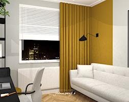 Mieszkanie w Warszawie - Średnie szare żółte biuro domowe kącik do pracy w pokoju, styl eklektyczny - zdjęcie od jedna.pani.s