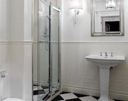 Mokotów Park - Średnia biała beżowa łazienka, styl klasyczny - zdjęcie od architekt Roland Stańczyk | RS Studio Projektowe