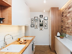 Młynowa 44 Białystok - Średnia otwarta zamknięta biała kuchnia dwurzędowa, styl vintage - zdjęcie od Biuro projektowe Joanna Karwowska