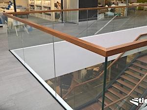 Idealne balustrady do galerii handlowej