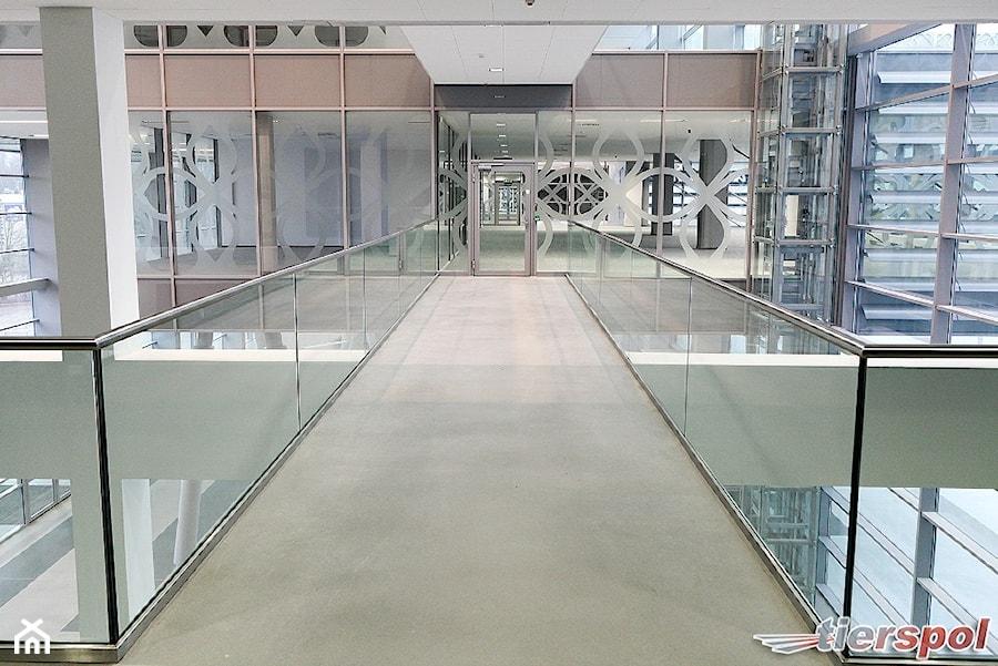 Balustrady całoszklane firmy Tierspol - zdjęcie od Tierspol producent schodów szklanych i całoszklanych