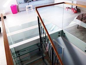 Szklane schody w szeregowcu