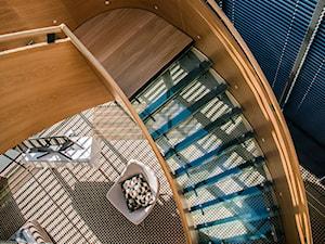 Efektowne schody w hotelu w Suwałkach