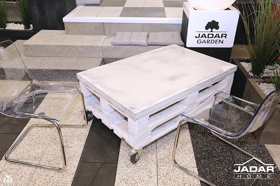 beton architektoniczny na tarasie