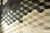geometryczny wzór z betonowych płytek
