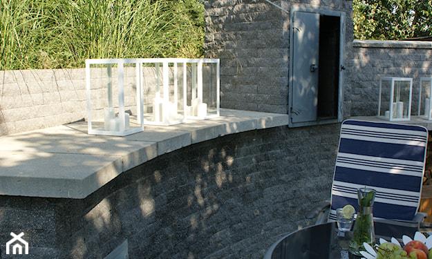 piec ogrodowy z cegły łupanej