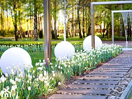 Aranżacje wnętrz - Ogród: Jadar Garden - Ogród, styl nowoczesny - Jadar. Przeglądaj, dodawaj i zapisuj najlepsze zdjęcia, pomysły i inspiracje designerskie. W bazie mamy już prawie milion fotografii!