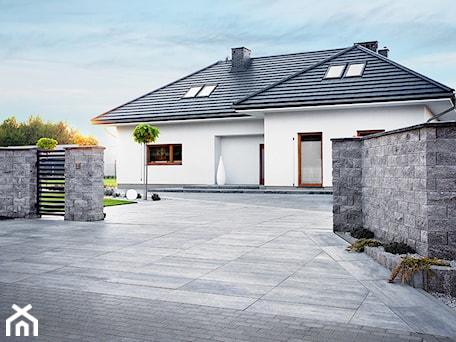 Aranżacje wnętrz - Domy: Jadar Garden - Domy, styl nowoczesny - Jadar. Przeglądaj, dodawaj i zapisuj najlepsze zdjęcia, pomysły i inspiracje designerskie. W bazie mamy już prawie milion fotografii!