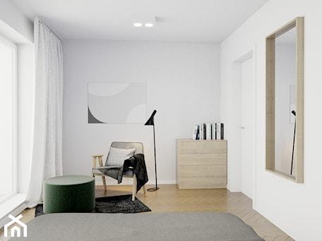 Aranżacje wnętrz - Sypialnia: Pomysłowe wnętrze szeregówki - Średnia biała sypialnia małżeńska z balkonem / tarasem, styl minimalistyczny - NUKO STUDIO. Przeglądaj, dodawaj i zapisuj najlepsze zdjęcia, pomysły i inspiracje designerskie. W bazie mamy już prawie milion fotografii!