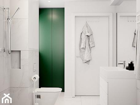 Aranżacje wnętrz - Łazienka: Pomysłowe wnętrze szeregówki - Średnia biała łazienka na poddaszu w bloku w domu jednorodzinnym bez okna, styl minimalistyczny - NUKO STUDIO. Przeglądaj, dodawaj i zapisuj najlepsze zdjęcia, pomysły i inspiracje designerskie. W bazie mamy już prawie milion fotografii!