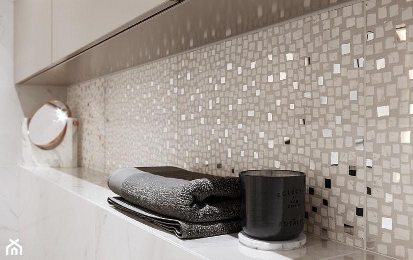 Cala łazienka W Bloku W Domu Jednorodzinnym Zdjęcie Od