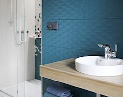 Colour Blink - Średnia biała turkusowa łazienka bez okna, styl eklektyczny - zdjęcie od Cersanit
