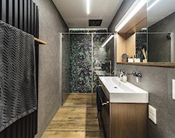 Mieszkanie inwestycja Awiator Gdańsk - Średnia szara łazienka w bloku w domu jednorodzinnym bez okna - zdjęcie od masz design Magdalena Szwedowska