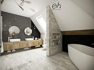 Potrójna łazienka - Duża łazienka na poddaszu w domu jednorodzinnym jako salon kąpielowy z oknem, styl industrialny - zdjęcie od Evin