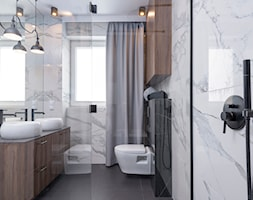 POLISZ DESIGN by KATE&CO - Mała biała łazienka w bloku w domu jednorodzinnym z oknem, styl nowoczes ... - zdjęcie od Dauksza Foto - Homebook