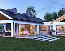 Dom parterowy z dużymi przeszkleniami - zdjęcie od TissuArchitecture