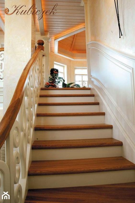 Schody KS-3 - Średnie wąskie schody jednobiegowe drewniane - zdjęcie od Pracownia Stolarska Dekor - Sebastian Kubiczek