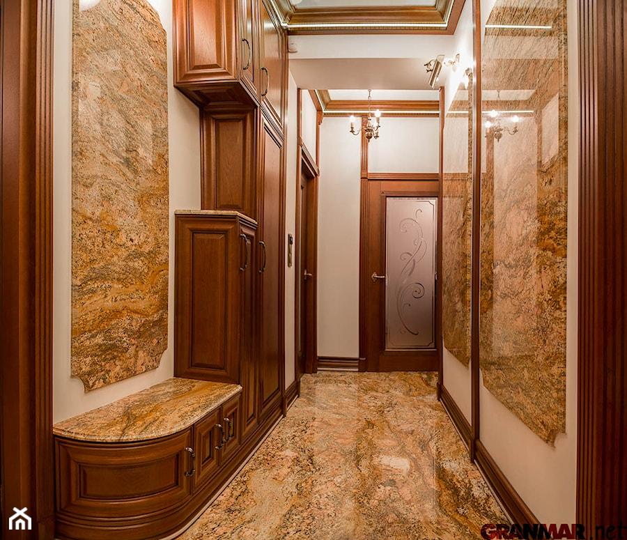 W Mega Posadzka półki i panele ścian z granitu Imperial Gold. - zdjęcie OK07