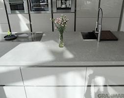 Blat kuchenny z konglomeratu kwarcowego Metropolis Beige - zdjęcie od GRANMAR.net - Borowa Góra