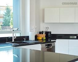 Blat+kuchenny+z+naturalnego+granitu+Absolut+Black+-+zdj%C4%99cie+od+GRANMAR.net+-+Borowa+G%C3%B3ra