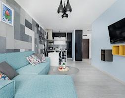 Design - Duży niebieski salon z kuchnią z jadalnią - zdjęcie od Apartments M&M- obsługa i aranżacja nieruchomości