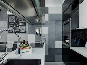 Design - Mała zamknięta wąska kolorowa kuchnia dwurzędowa - zdjęcie od Apartments M&M- obsługa i aranżacja nieruchomości