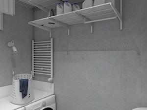 Dom pod Krakowem - Mała zamknięta garderoba przy łazience, styl skandynawski - zdjęcie od Pepe Interiors