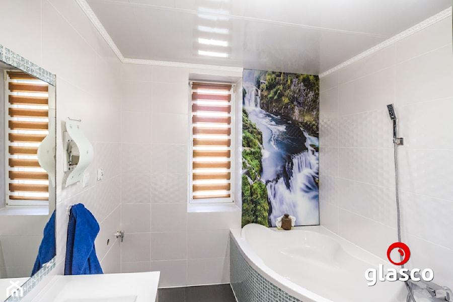 Glasco Liczy się EFEKT - Mała szara łazienka w bloku w domu jednorodzinnym bez okna - zdjęcie od Glasco
