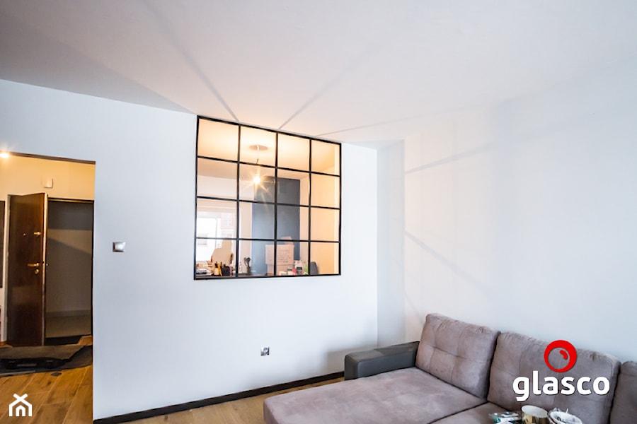 Glasco Liczy się EFEKT - Średni biały salon - zdjęcie od Glasco
