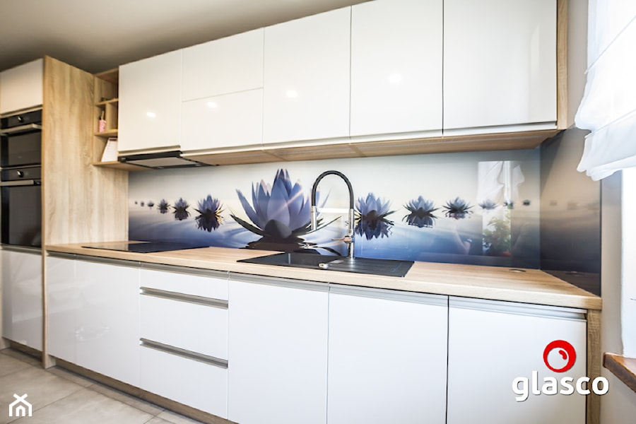 Glasco Liczy się EFEKT - Średnia kuchnia jednorzędowa w aneksie z oknem - zdjęcie od Glasco