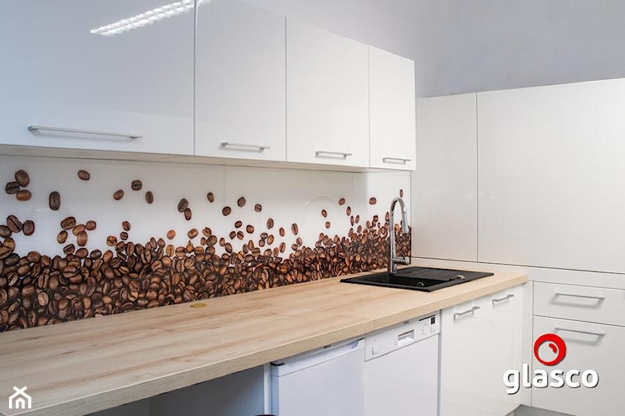 Glasco Liczy się EFEKT - Mała otwarta szara kuchnia w kształcie litery l - zdjęcie od Glasco