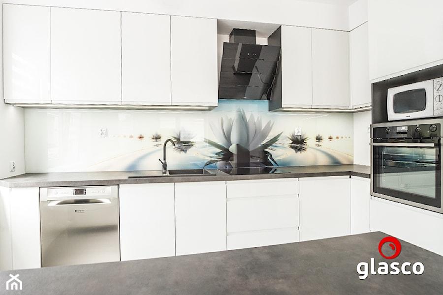 Glasco Liczy się EFEKT - Średnia biała kuchnia w kształcie litery l - zdjęcie od Glasco