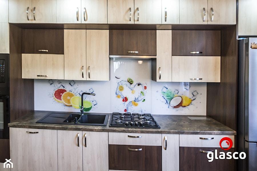 Glasco Liczy się EFEKT - Mała kuchnia jednorzędowa w aneksie, styl tradycyjny - zdjęcie od Glasco