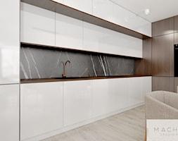 Elegancja w nowoczesnym wydaniu - kuchnia z jadalnią - zdjęcie od Machowska Studio Projektowe - Homebook