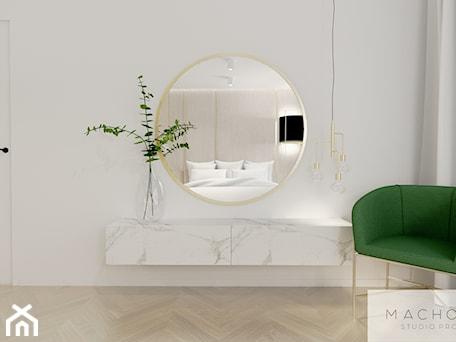 Aranżacje wnętrz - Sypialnia: Elegancja w nowoczesnym wydaniu - sypialnia - Machowska Studio Projektowe. Przeglądaj, dodawaj i zapisuj najlepsze zdjęcia, pomysły i inspiracje designerskie. W bazie mamy już prawie milion fotografii!