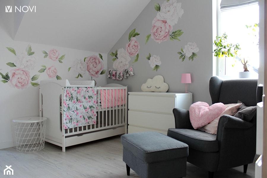 Aranżacje wnętrz - Pokój dziecka: Różowo zielone królestwo małej księżniczki - NOVI_projektowanie. Przeglądaj, dodawaj i zapisuj najlepsze zdjęcia, pomysły i inspiracje designerskie. W bazie mamy już prawie milion fotografii!